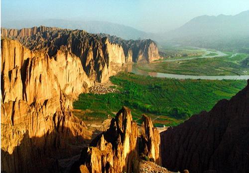 炳灵寺 石林