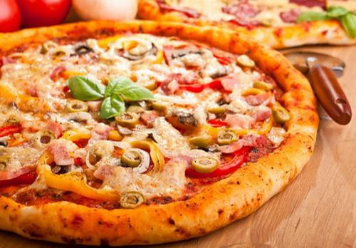 披萨里的加大码 预告
