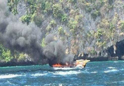 泰国一载有27名中国游客快艇爆炸,5名中国游客重伤