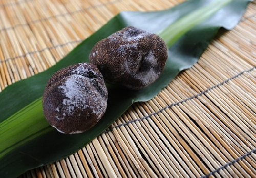 """靠母猪才能挖到的世界顶级美食,被称为""""猪嘴里的黑珍珠""""!"""