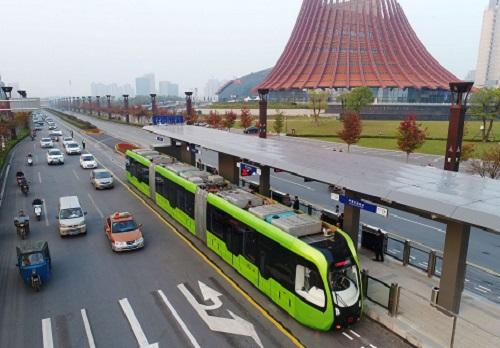 出行新选择,绿色节能又环保!全球首列智轨电车来啦!