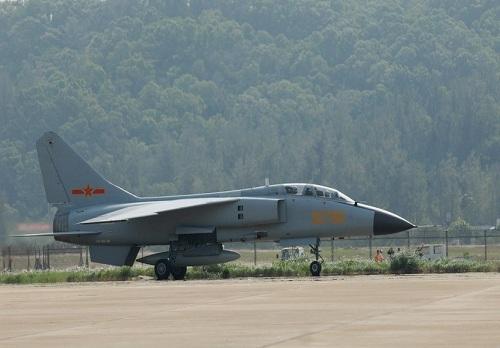 如今的中国军队,歼轰7战斗轰炸机还有存在意义吗?