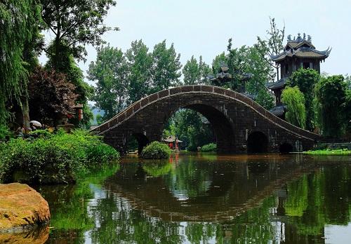 黄龙溪古镇:黄龙渡清江,真龙内中藏