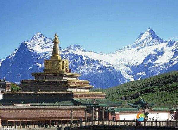 位于甘肃省甘南藏族自治州夏河县境内,是我国藏传佛教格鲁派(黄教